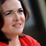 """Die Geschäftsführerin von Facebook, Sheryl Sandberg am 19.04.2013 in Berlin. Sie stellt ihr Buch mit dem Titel """"Lean in - Frauen und der Wille zum Erfolg"""" vor. Foto: Britta Pedersen/dpa +++(c) dpa - Bildfunk+++"""